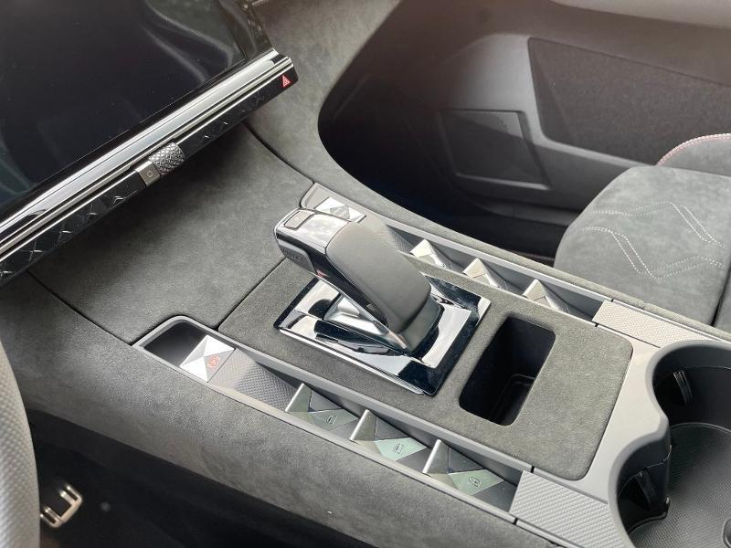 Photo 15 de l'offre de DS DS 7 Crossback E-TENSE 225ch Performance Line + à 49990€ chez Citroën SAVRA