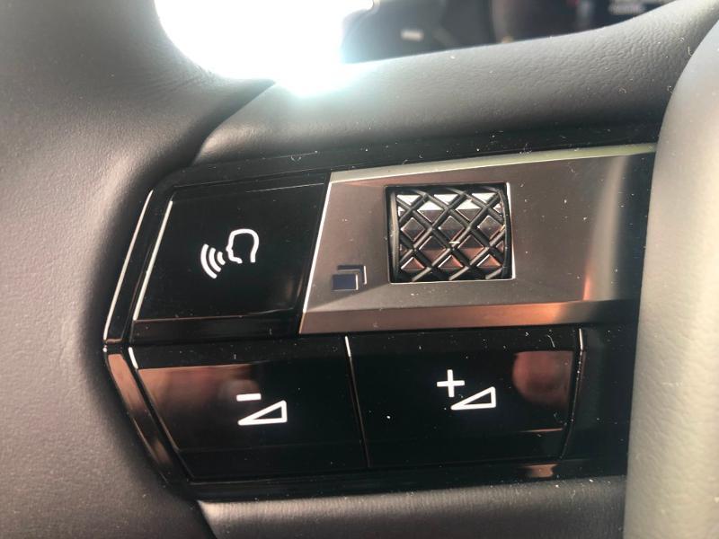Photo 12 de l'offre de DS DS 3 Crossback PureTech 130ch Grand Chic Automatique 7cv à 33490€ chez Citroën SAVRA