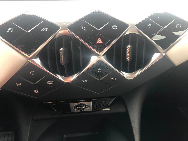 Photo 14 de l'offre de DS DS 3 Crossback PureTech 130ch Grand Chic Automatique 7cv à 33490€ chez Citroën SAVRA