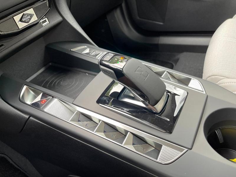 Photo 12 de l'offre de DS DS 3 Crossback E-Tense Grand Chic 4cv à 35990€ chez Citroën SAVRA