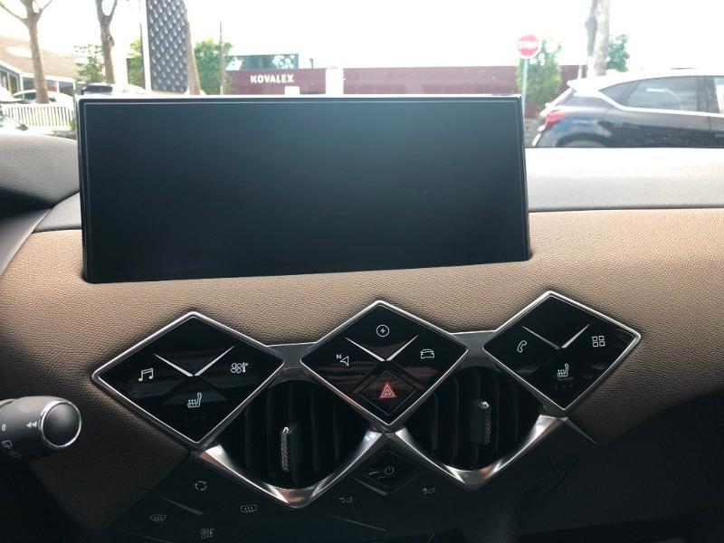 Photo 14 de l'offre de DS DS 3 Crossback E-Tense Grand Chic à 32990€ chez Citroën SAVRA