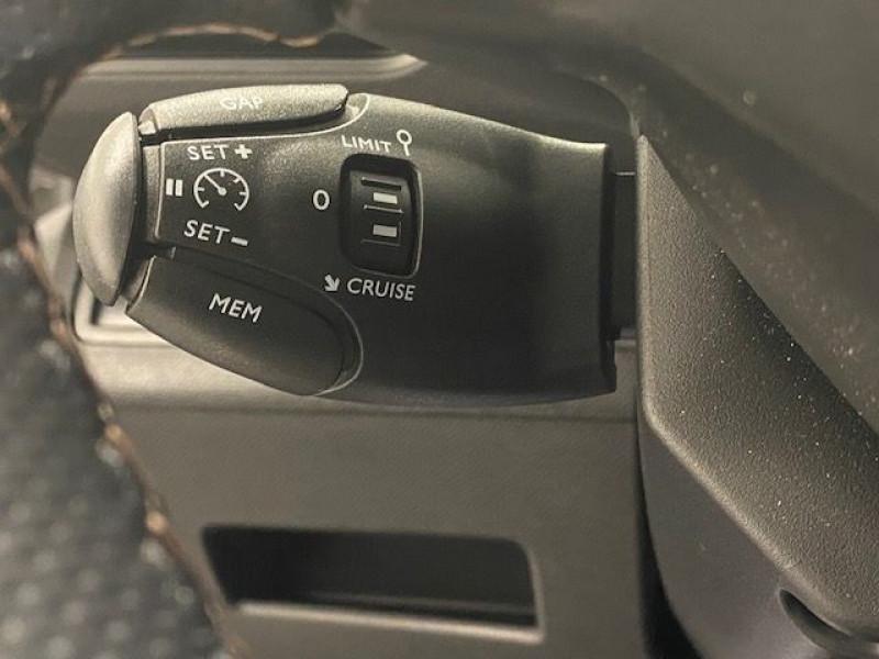 Photo 12 de l'offre de PEUGEOT 3008 HYBRID4 300CH GT E-EAT8 à 36990€ chez e-Vago
