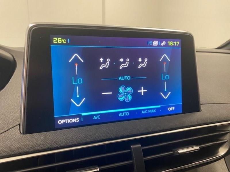 Photo 15 de l'offre de PEUGEOT 3008 HYBRID4 300CH GT E-EAT8 à 36990€ chez e-Vago