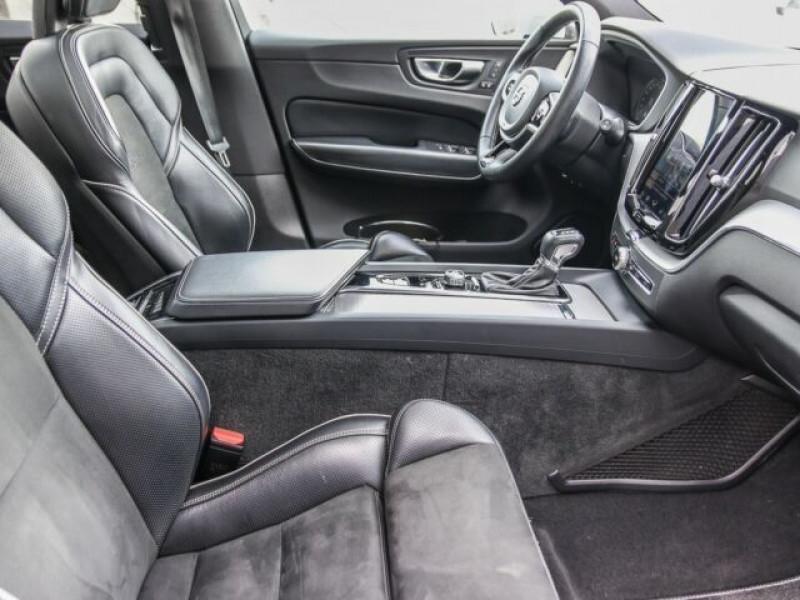 Photo 3 de l'offre de VOLVO XC60 D5 AWD 235CH R-DESIGN GEARTRONIC à 40990€ chez e-Vago
