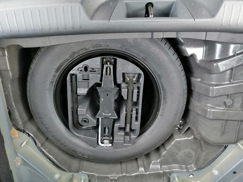 Photo 6 de l'offre de RENAULT MEGANE IV 1.3 TCE 140CH ENERGY INTENS EDC à 23990€ chez Willy Mathey automobiles