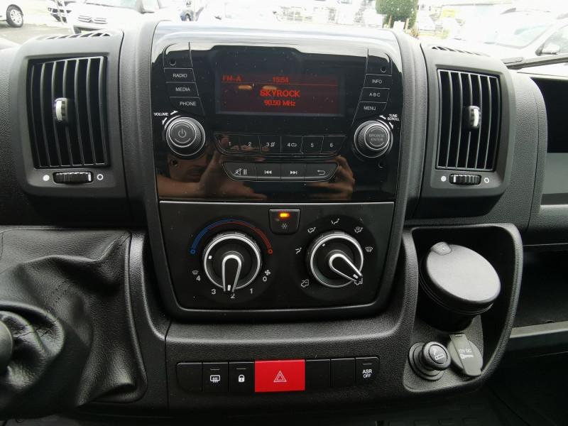 Photo 11 de l'offre de PEUGEOT BOXER FG 333 L2H2 2.2 BLUEHDI S&S 120CH DISPO DE SUITE !!! à 27990€ chez Willy Mathey automobiles