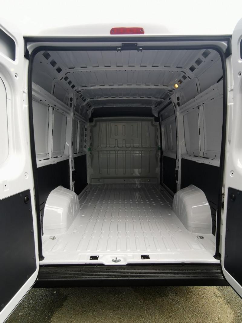 Photo 5 de l'offre de PEUGEOT BOXER FG 333 L2H2 2.2 BLUEHDI S&S 120CH DISPO DE SUITE !!! à 27990€ chez Willy Mathey automobiles