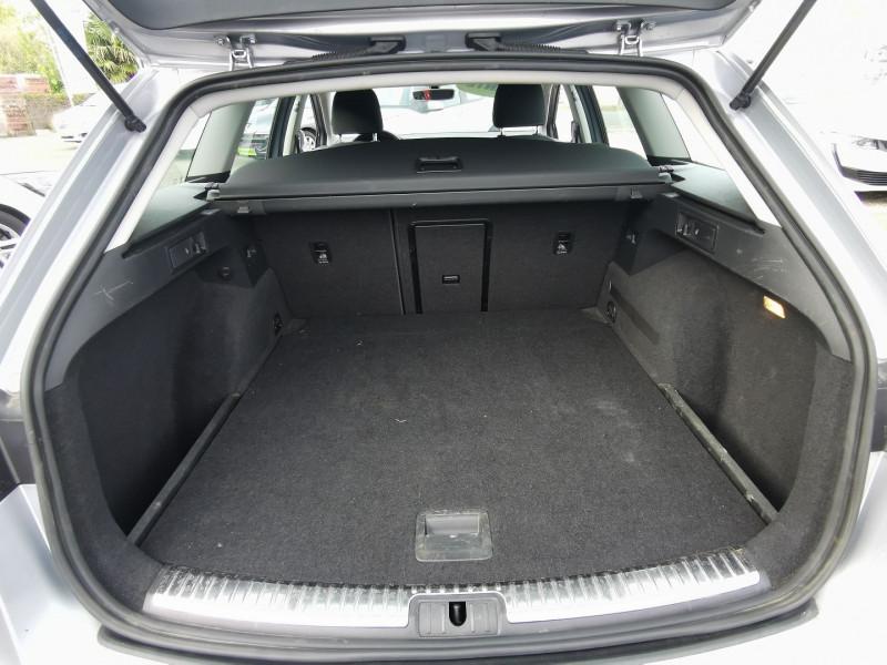 Photo 5 de l'offre de SEAT LEON ST 1.6 TDI 115CH FAP STYLE à 15990€ chez Willy Mathey automobiles