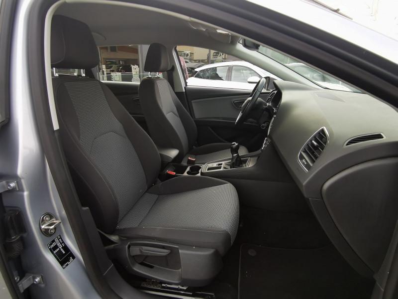 Photo 9 de l'offre de SEAT LEON ST 1.6 TDI 115CH FAP STYLE à 15990€ chez Willy Mathey automobiles