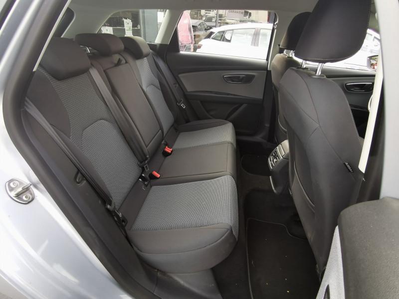 Photo 7 de l'offre de SEAT LEON ST 1.6 TDI 115CH FAP STYLE à 15990€ chez Willy Mathey automobiles