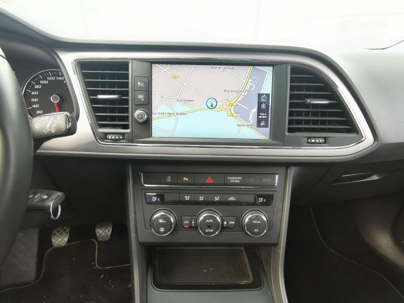 Photo 12 de l'offre de SEAT LEON ST 1.6 TDI 115CH FAP STYLE à 15990€ chez Willy Mathey automobiles