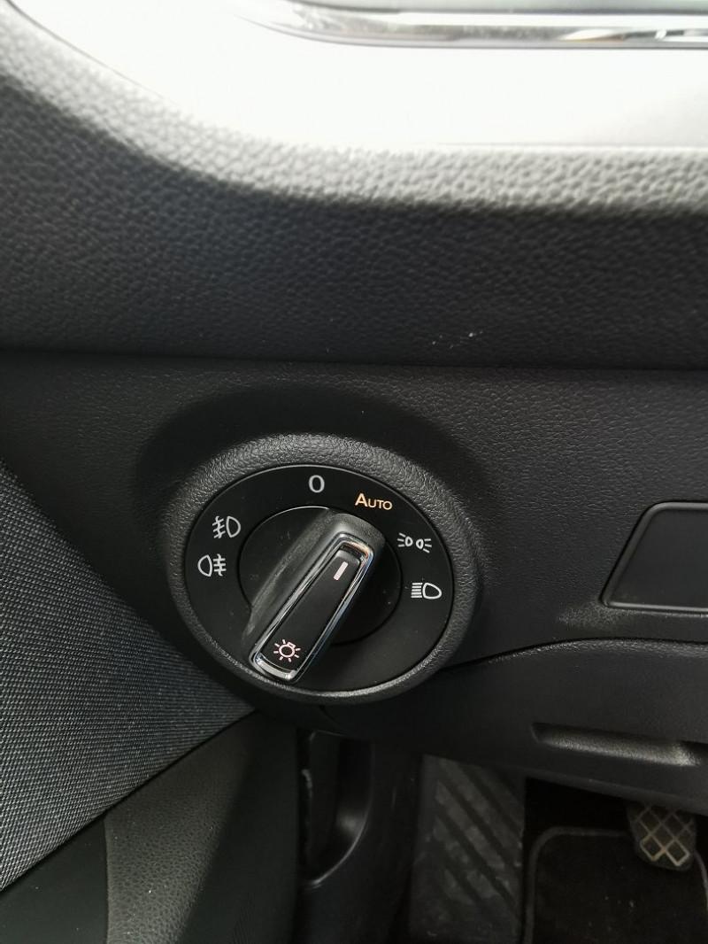 Photo 19 de l'offre de SEAT LEON ST 1.6 TDI 115CH FAP STYLE à 15990€ chez Willy Mathey automobiles