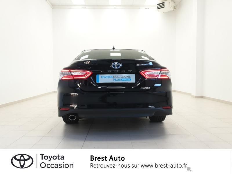 Photo 18 de l'offre de TOYOTA Camry Hybride 218ch Design à 33980€ chez Brest Automobiles - Toyota Brest