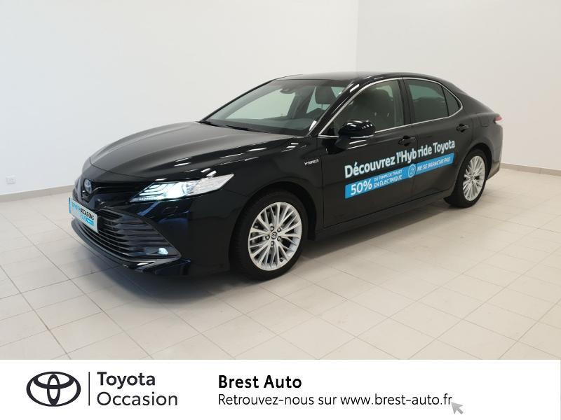 Photo 1 de l'offre de TOYOTA Camry Hybride 218ch Design à 33980€ chez Brest Automobiles - Toyota Brest