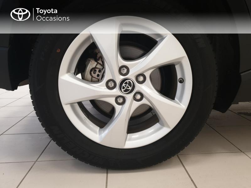 Photo 16 de l'offre de TOYOTA C-HR 122h Dynamic 2WD E-CVT RC18 à 20480€ chez Brest Automobiles - Toyota Brest