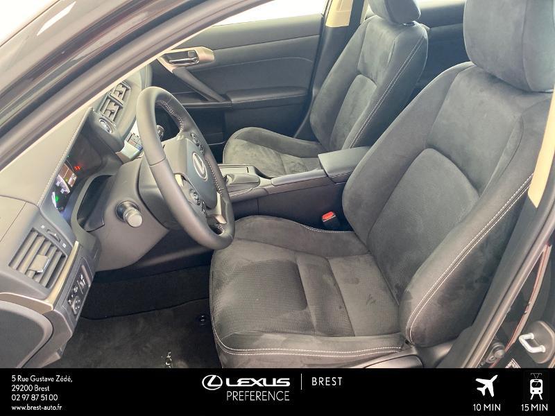 Photo 13 de l'offre de LEXUS CT 200h Pack 2020 à 27690€ chez Brest Automobiles - Toyota Brest