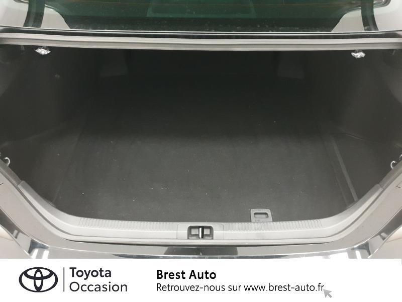 Photo 15 de l'offre de TOYOTA Camry Hybride 218ch Design à 33980€ chez Brest Automobiles - Toyota Brest