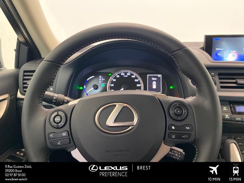 Photo 8 de l'offre de LEXUS CT 200h Pack 2020 à 27690€ chez Brest Automobiles - Toyota Brest
