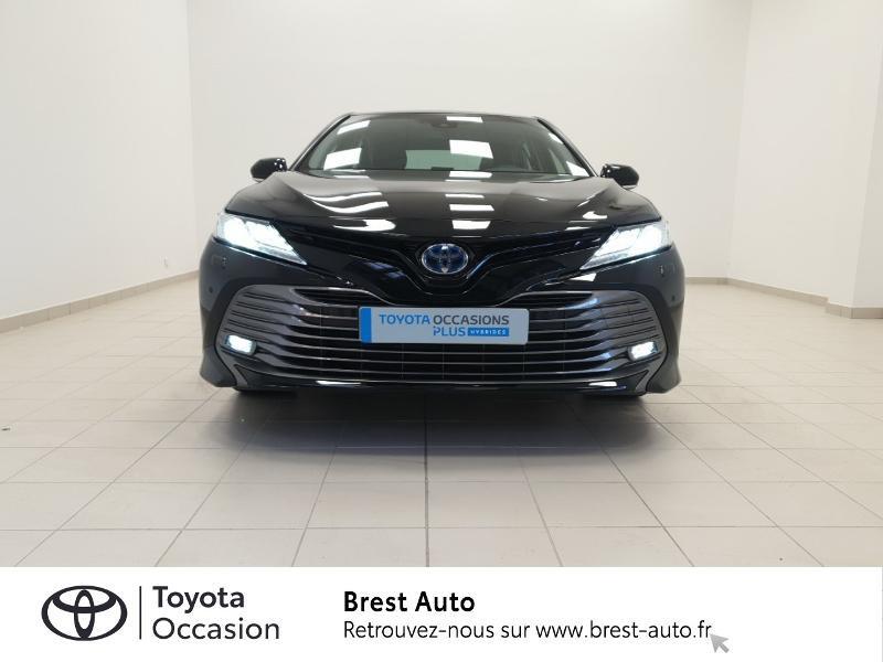 Photo 3 de l'offre de TOYOTA Camry Hybride 218ch Design à 33980€ chez Brest Automobiles - Toyota Brest