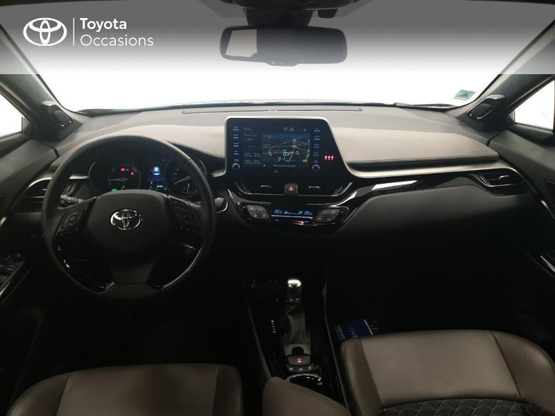 Photo 8 de l'offre de TOYOTA C-HR 122h Distinctive 2WD E-CVT MC19 à 24980€ chez Brest Automobiles - Toyota Brest