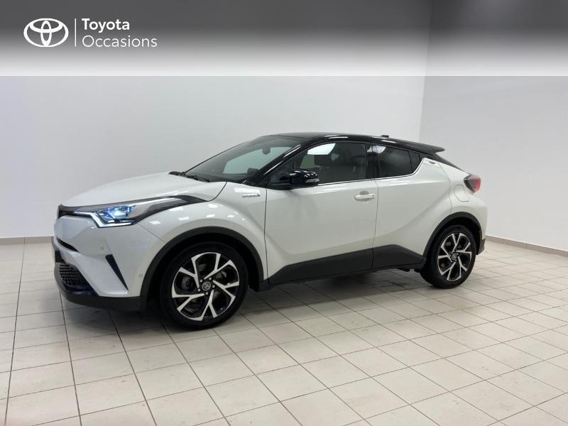 Photo 3 de l'offre de TOYOTA C-HR 122h Graphic 2WD E-CVT RC18 à 23980€ chez Brest Automobiles - Toyota Brest