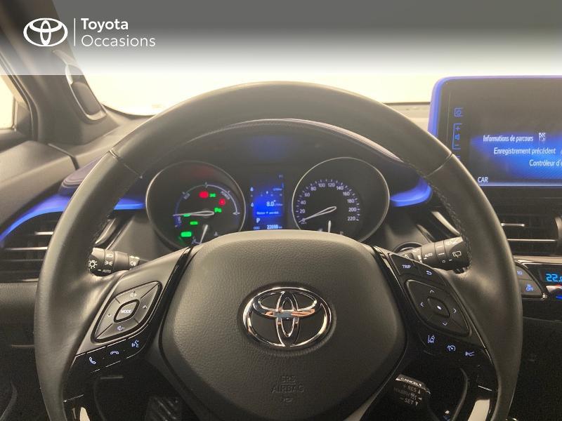 Photo 9 de l'offre de TOYOTA C-HR 122h Graphic 2WD E-CVT RC18 à 23980€ chez Brest Automobiles - Toyota Brest