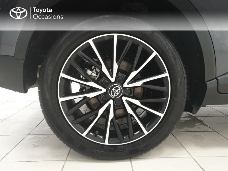 Photo 16 de l'offre de TOYOTA C-HR 122h Distinctive 2WD E-CVT MC19 à 24980€ chez Brest Automobiles - Toyota Brest