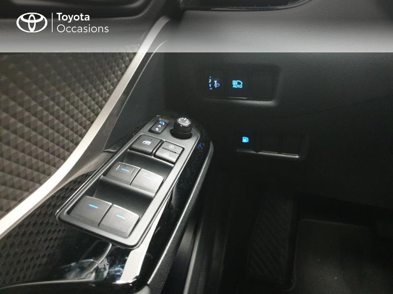 Photo 21 de l'offre de TOYOTA C-HR 122h Distinctive 2WD E-CVT MC19 à 24980€ chez Brest Automobiles - Toyota Brest
