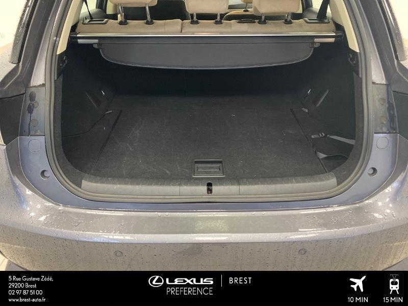 Photo 15 de l'offre de LEXUS CT 200h Pack Business à 16980€ chez Brest Automobiles - Toyota Brest