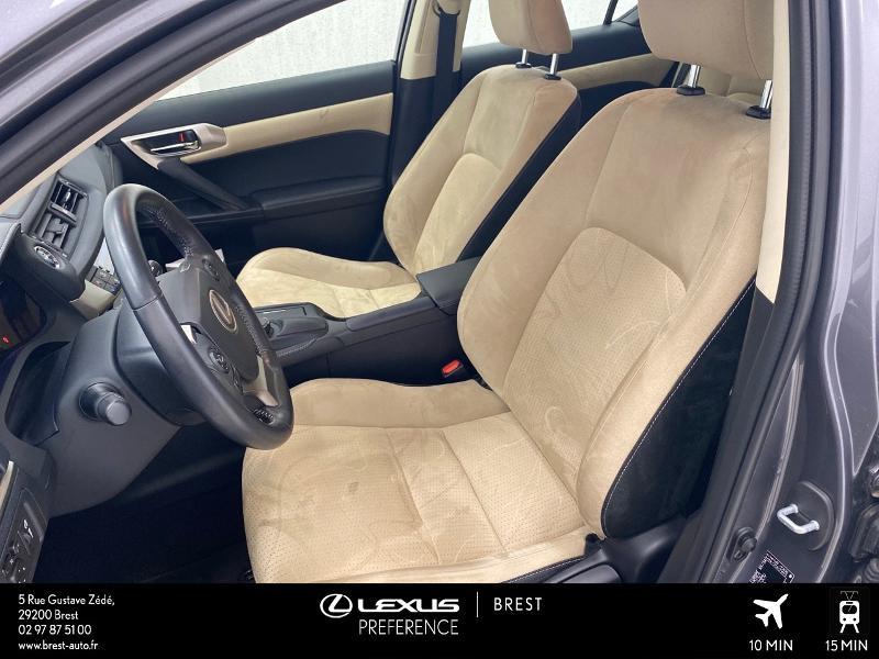 Photo 13 de l'offre de LEXUS CT 200h Pack Business à 16980€ chez Brest Automobiles - Toyota Brest