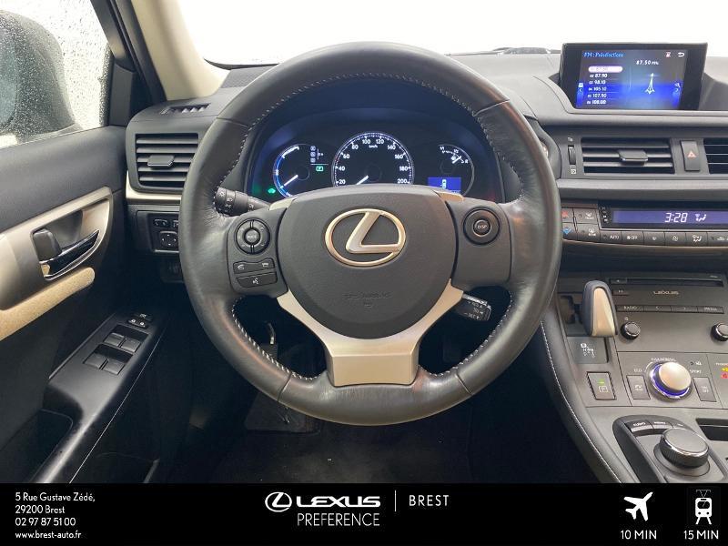 Photo 6 de l'offre de LEXUS CT 200h Pack Business à 16980€ chez Brest Automobiles - Toyota Brest