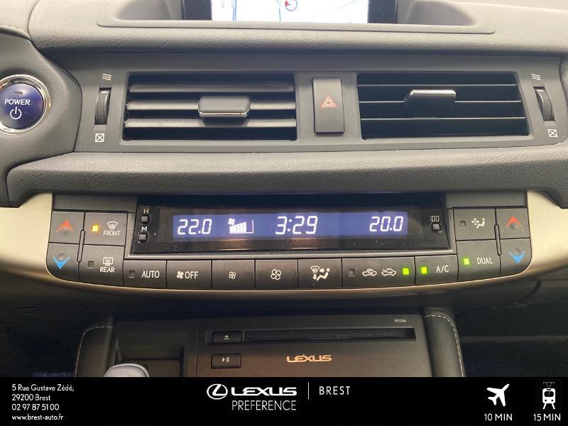 Photo 11 de l'offre de LEXUS CT 200h Pack Business à 16980€ chez Brest Automobiles - Toyota Brest
