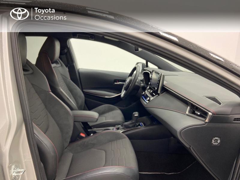 Photo 6 de l'offre de TOYOTA Corolla 122h Collection à 23980€ chez Brest Automobiles - Toyota Brest
