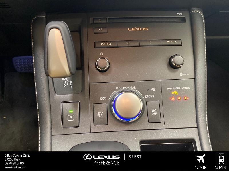 Photo 9 de l'offre de LEXUS CT 200h Pack Business à 16980€ chez Brest Automobiles - Toyota Brest