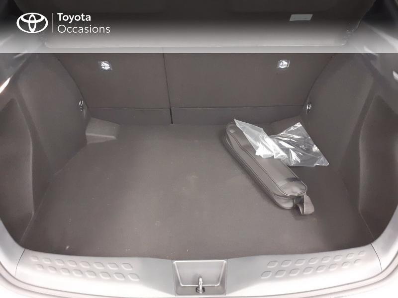Photo 10 de l'offre de TOYOTA C-HR 122h Graphic 2WD E-CVT MC19 à 28980€ chez Brest Automobiles - Toyota Brest