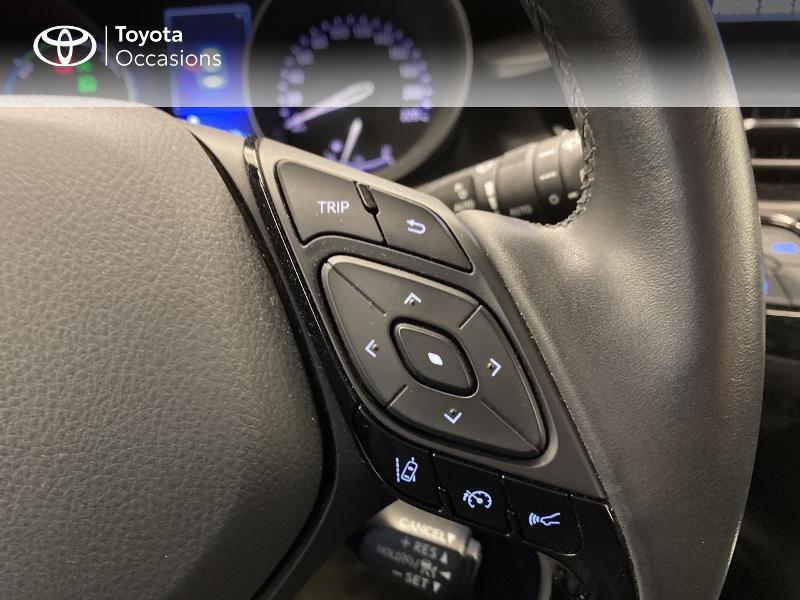 Photo 13 de l'offre de TOYOTA C-HR 122h Dynamic 2WD E-CVT à 18980€ chez Brest Automobiles - Toyota Brest