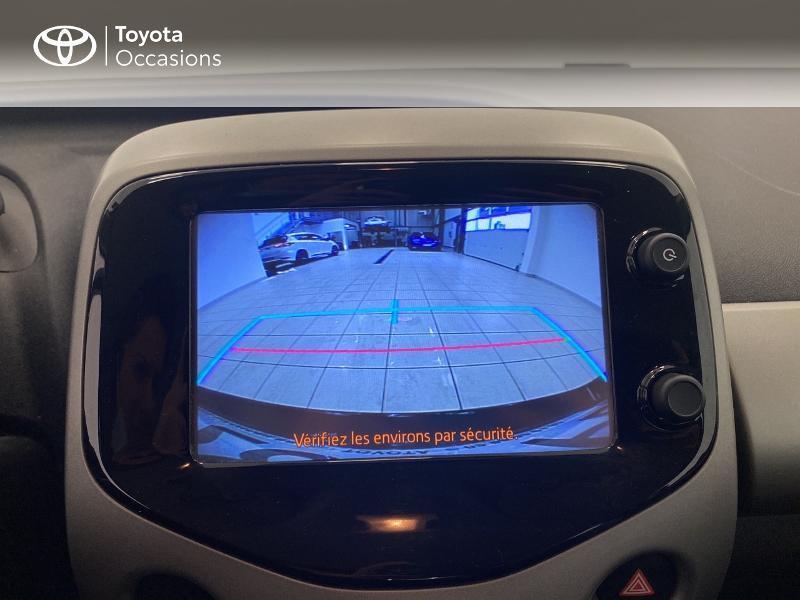 Photo 24 de l'offre de TOYOTA Aygo 1.0 VVT-i 69ch x-play 5p à 9480€ chez Brest Automobiles - Toyota Brest