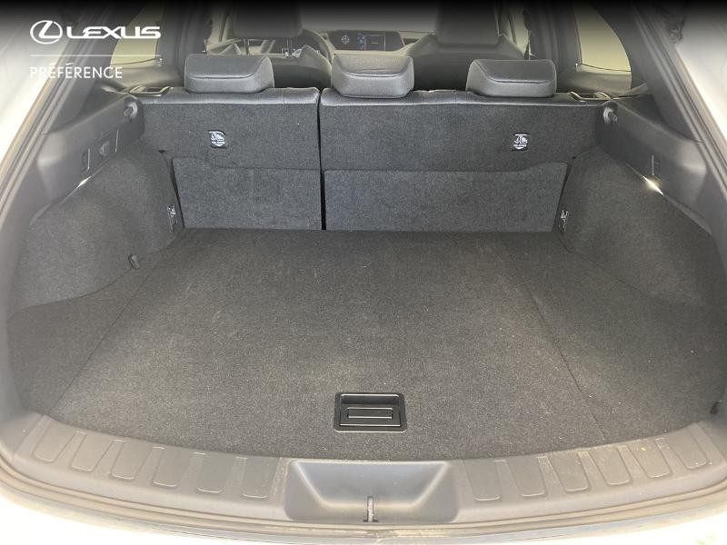 Photo 10 de l'offre de LEXUS UX 250h 2WD Premium Edition MY21 à 33980€ chez Brest Automobiles - Toyota Brest