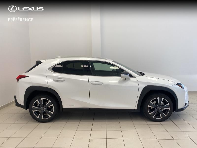 Photo 17 de l'offre de LEXUS UX 250h 2WD Premium Edition MY21 à 33980€ chez Brest Automobiles - Toyota Brest