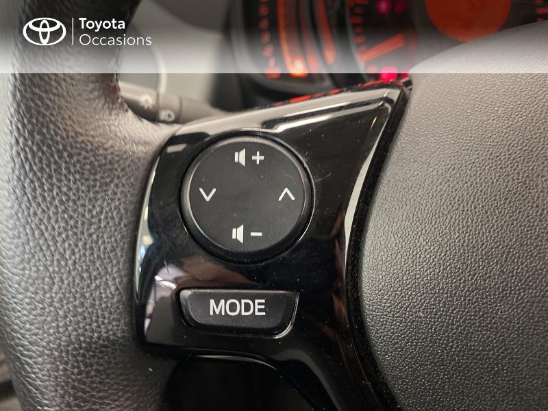 Photo 20 de l'offre de TOYOTA Aygo 1.0 VVT-i 69ch x-play 5p à 9480€ chez Brest Automobiles - Toyota Brest