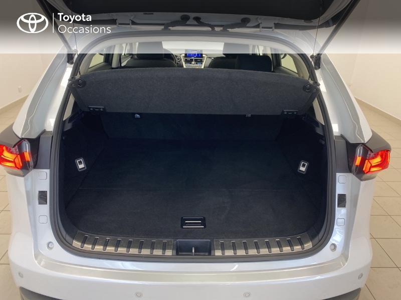 Photo 10 de l'offre de LEXUS NX 300h 2WD Pack Business à 27480€ chez Brest Automobiles - Toyota Brest