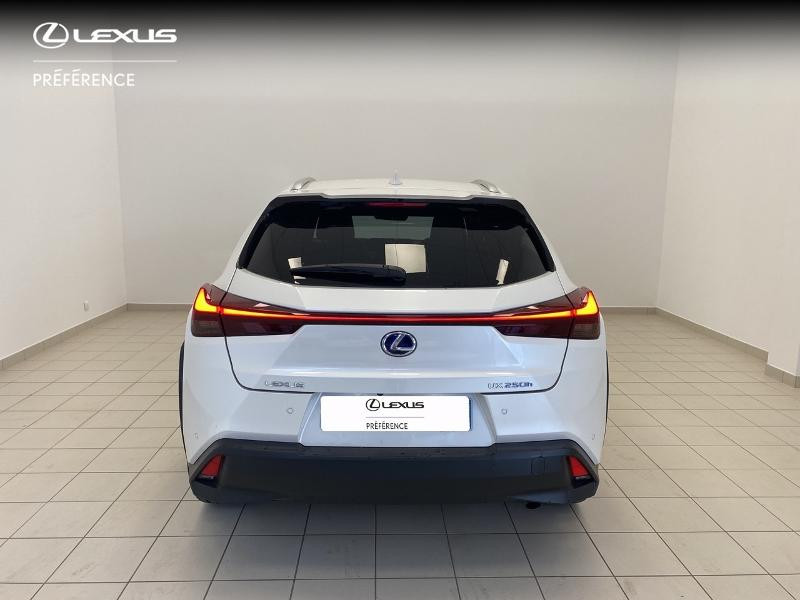 Photo 4 de l'offre de LEXUS UX 250h 2WD Premium Edition MY21 à 33980€ chez Brest Automobiles - Toyota Brest