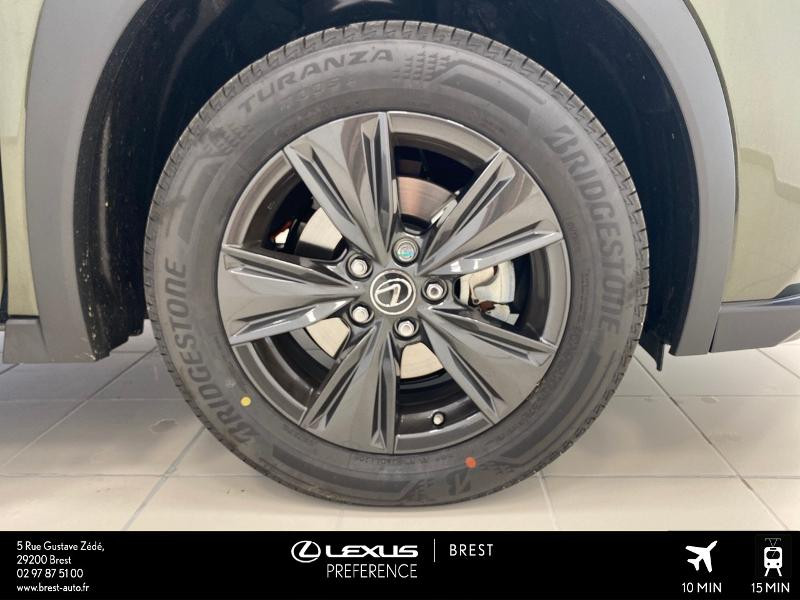 Photo 4 de l'offre de LEXUS UX 250h 2WD Luxe MY20 à 37980€ chez Brest Automobiles - Toyota Brest