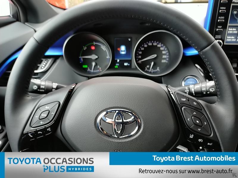 Photo 8 de l'offre de TOYOTA C-HR 122h Graphic 2WD E-CVT MY20 à 26980€ chez Brest Automobiles - Toyota Brest