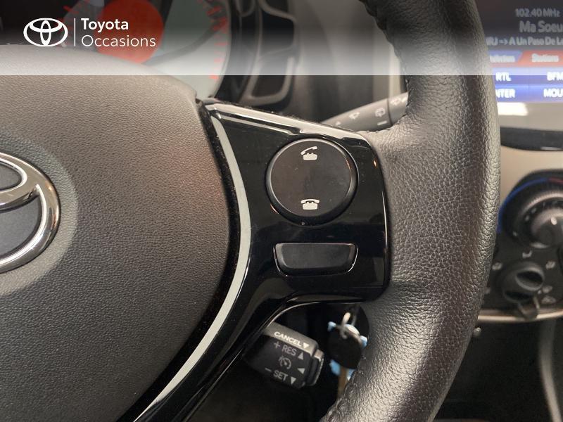 Photo 14 de l'offre de TOYOTA Aygo 1.0 VVT-i 69ch x-play 5p à 9480€ chez Brest Automobiles - Toyota Brest