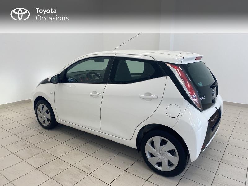 Photo 2 de l'offre de TOYOTA Aygo 1.0 VVT-i 69ch x-play 5p à 9480€ chez Brest Automobiles - Toyota Brest