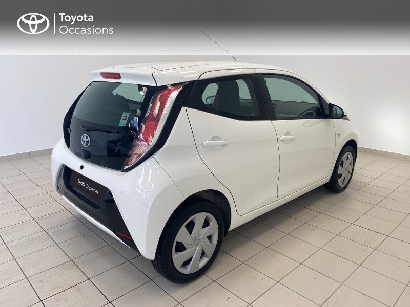 Photo 18 de l'offre de TOYOTA Aygo 1.0 VVT-i 69ch x-play 5p à 9480€ chez Brest Automobiles - Toyota Brest