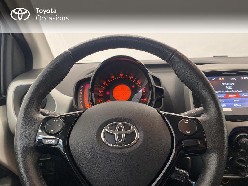 Photo 13 de l'offre de TOYOTA Aygo 1.0 VVT-i 69ch x-play 5p à 9480€ chez Brest Automobiles - Toyota Brest