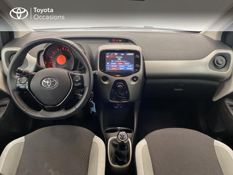 Photo 8 de l'offre de TOYOTA Aygo 1.0 VVT-i 69ch x-play 5p à 9480€ chez Brest Automobiles - Toyota Brest