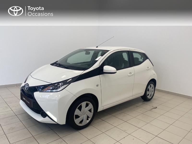Photo 1 de l'offre de TOYOTA Aygo 1.0 VVT-i 69ch x-play 5p à 9480€ chez Brest Automobiles - Toyota Brest